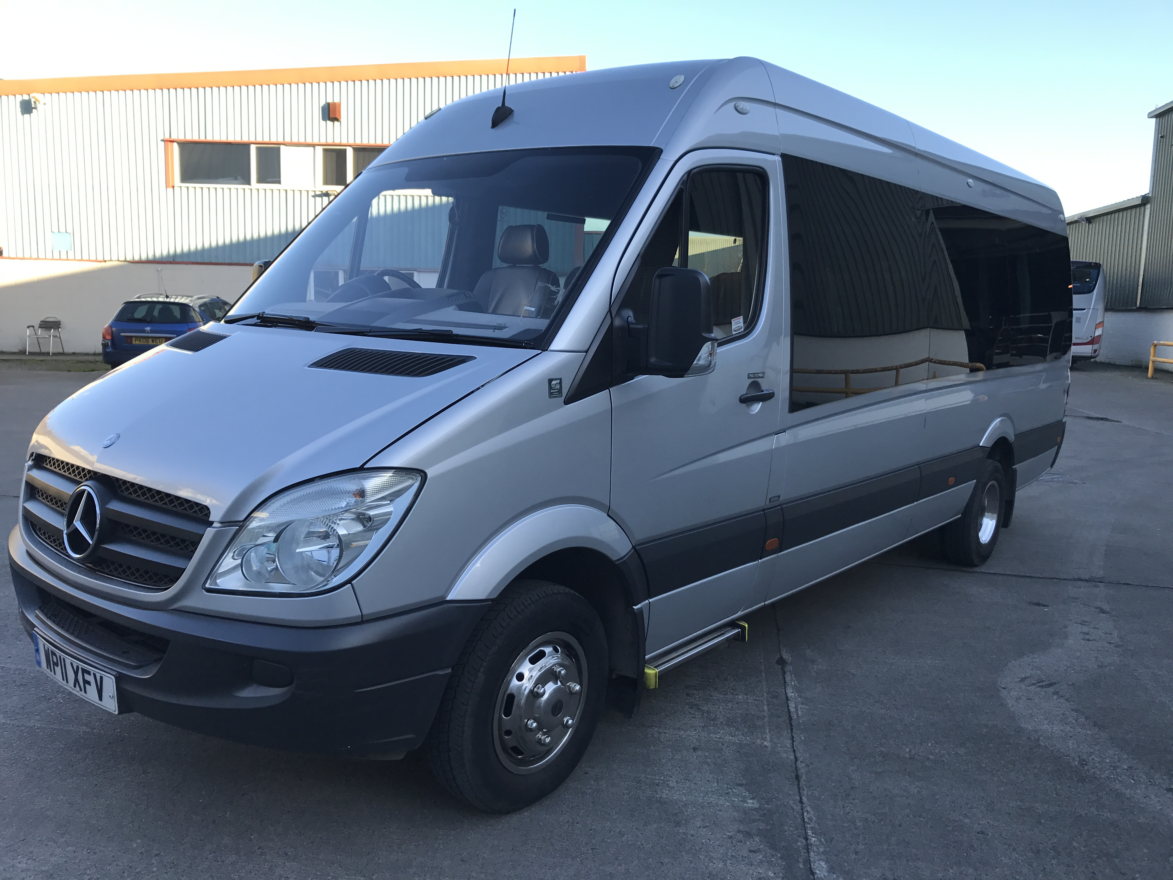 for benz with en electric minibus vito customers mercedes vans commercial vehicles transporter electrified drive